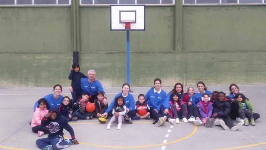 Baloncesto femenino en nuestro Programa de Infancia y Familia
